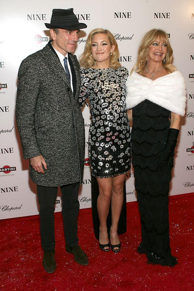 """12/15/2009 - Daniel Day-Lewis, Kate Hudson and Goldie Hawn - """"Nine"""" New York Premiere - Arrivals - Ziegfeld Theater, 141 West 54th Street - New York City, NY, USA - Keywords:  - 0 -  - Photo Credit: Sylvain Gaboury / PR Photos - Contact (1-866-551-7827)"""
