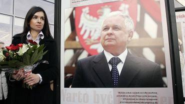 """Warszawa. Marta Kaczyńska otwiera wystawę """"Warto być Polakiem"""""""