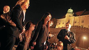 Marta Kaczyńska pod Krzyżem Katyńskim w Krakowie, 18 kwietnia 2011 r.