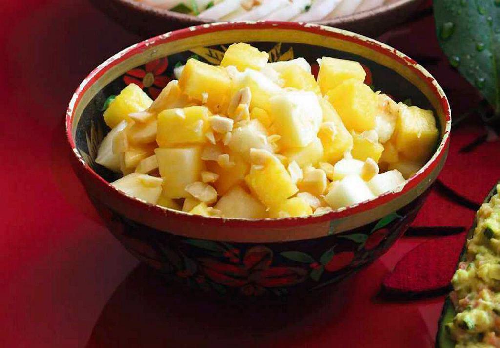 Sałatka owocowa z ananasem