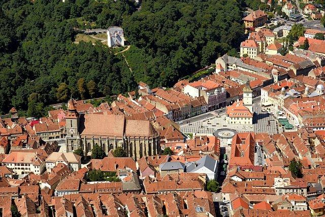 Brasov widok starówki | Brasov widok starówki w obrębie murów miejskich / fot. cityhopper/FotoForum.gazeta.pl