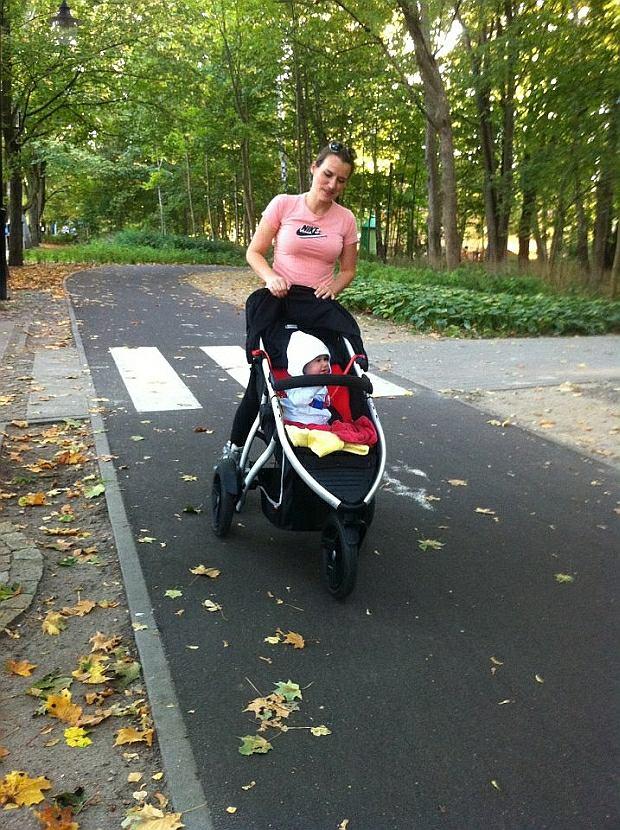Zdjęcie numer 4 w galerii - Agnieszka Pomaska znalazła idealny wózek dla dwójki dzieci. To cud techniki!