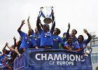 Dzięki wygranej Chelsea w Lidze Mistrzów dowiedziałyśmy się, że Fernando Torres okropnie fałszuje