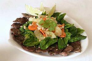 Sałatka z wołowiną po wietnamsku