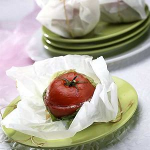 Pomidory faszerowane wędzoną polędwicą