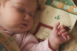 Nocne pobudki - dlaczego dzieci nie śpią w nocy?