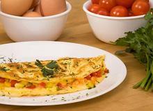 Omlet podstawowy z dowolnym dodatkiem - ugotuj
