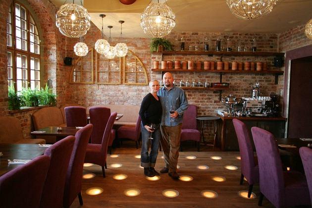 Katarzyna Figura, Kai Shoenhals w swojej restauracji KOM