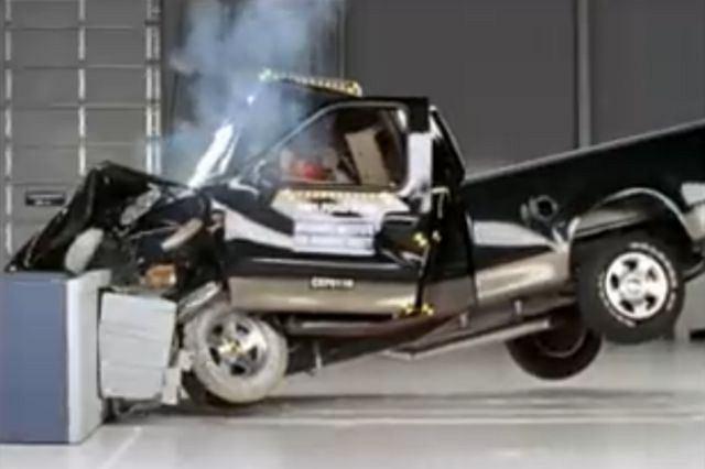Crash test Forda F-150 z 1997 roku