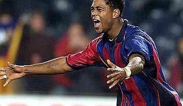 Patrick Kluivert w Barcelonie. W 1995 jego gol zapewnił Ajaksowi triumf w finale z AC Milan