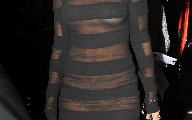 Rihanna staje się hardkorem. Zaczyna wydziwiać i mocno eksperymentować ze swoim wizerunkiem. Czy co raz bardziej nie przypomina wam Lady GaGi?