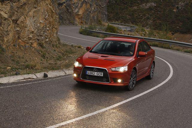 Mitsubishi Lancer - w ciągu jedenastu miesięcy tego roku sprzedano 1349 sedanów