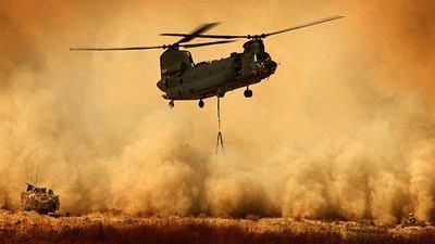 Śmigłowiec Chinook podczas misji w Afganistanie