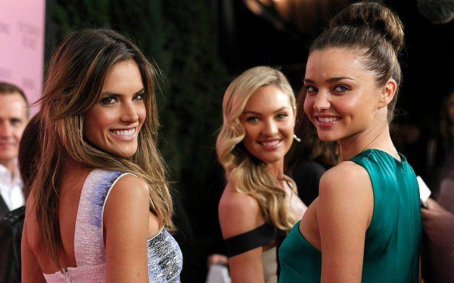 Miranda Kerr, Candice Swanepoel, Alessandra Ambrosio należą do najpiękniejszych kobiet na świecie. Od lat są twarzami marki Victoria's Secret.
