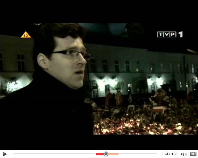 - Człowiek z krwią na rękach [Putin] przytulał mojego premiera, ale nigdy by nie przytulił mojego prezydenta - mówi w filmie łamiącym się głosem aktor Mariusz Bulski, znany m.in. z seriali ''Niania'', ''Plebania'', ''M jak miłość'', ''Wydział zabójstw''