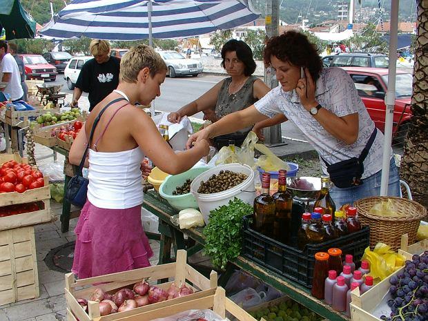 Oliwki z Montenegro - uwielbiam. Zakupy - to uwielbia każda kobieta.