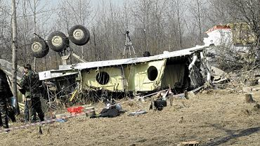 Nie był to zamach, na pokładzie samolotu nie doszło też do awarii ani pożaru - wynika ze wstępnego raportu w sprawie katastrofy samolotu.
