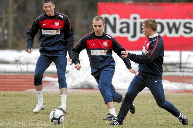 Adrian Mierzejewski(w środku) podczas treningu przed meczem z Finlandią