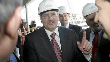 Marszałek Bronisław Komorowski podczas wizyty na budowie Stadionu Narodowego