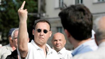 9 czerwca, Lublin, w ten sposób jeden z mężczyzn zwrócił się do posła Janusza Palikota podczas jego wiecu na placu Litewskim, którym Palikot chciał zagłuszyć równolegle odbywający się wiec Jarosława Kaczyńskiego