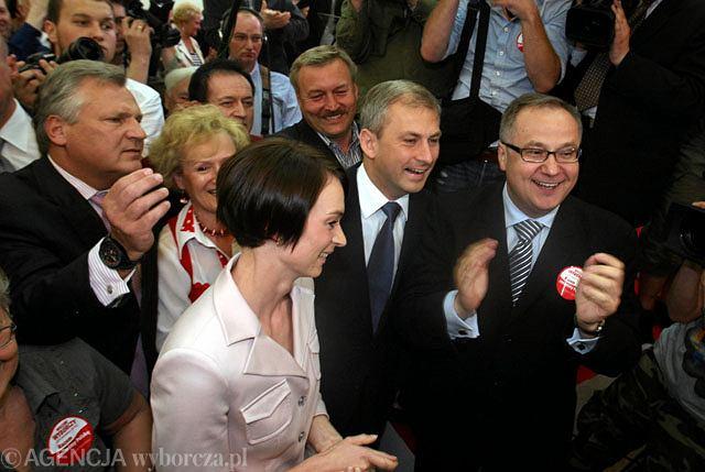 Aleksander Kwaśniewski w sztabie wyborczym Grzegorza Napieralskiego