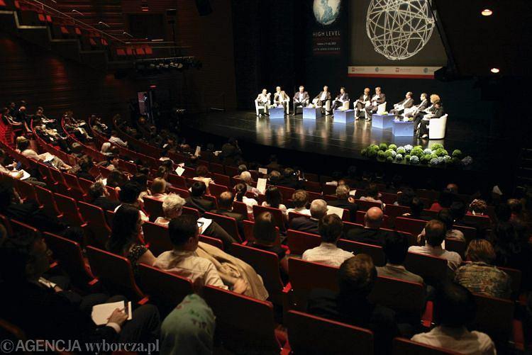 Sesja plenarna w budynku Opery Krakowskiej