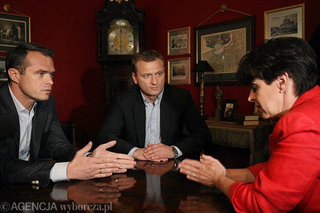 Sławomir Nowak i Joanna Kluzik-Rostkowska w towarzystwie Sławomira Nitrasa podczas spotkania w sztabie wyborczym Jarosława Kaczyńskiego