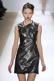 NEW YORK fashion week february 2010_Luca_Luca_  READY TO WEAR FALL WINTER   2010_11  PHOTO: EAST NEWS / ZEPPELIN