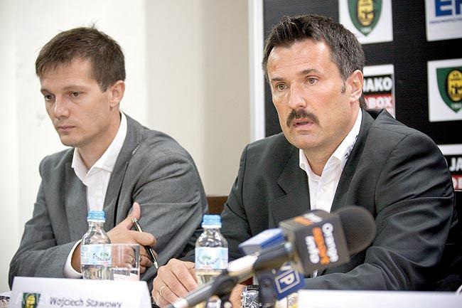 Dyrektor Piotr Stach i trener Wojciech Stawowy (jesień 2010)