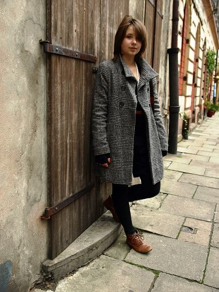 Płaszcz - Zara, Buty - New Look