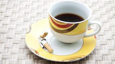 Poranna kawa i papieros to dla wielu ulubiony sposób na rozpoczęcie dnia. Niestety, to jeden z najgroźniejszych dla zdrowia nawyków.