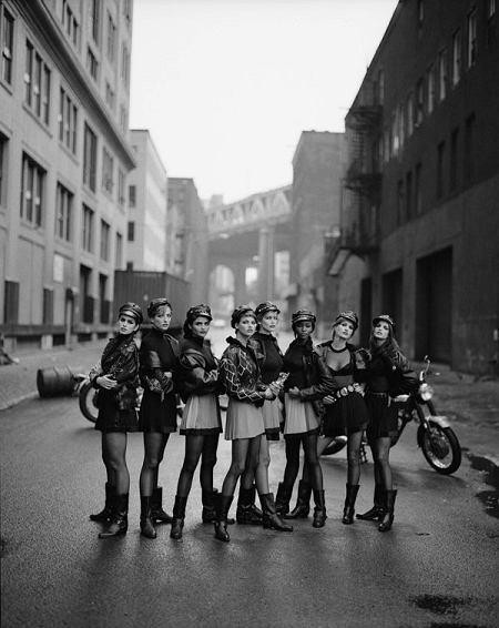 Cindy Crawford, Tatjana Patitz, Helena Christensen, Linda Evangelista, Claudia Schiffer, Naomi Campbell, Karen Mulder i Stephanie Seymour