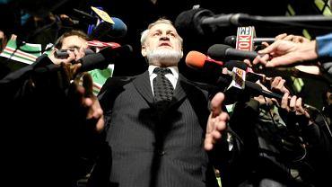 17 września 2010 r., Warszawa. Ahmed Zakajew po decyzji sądu wychodzi na wolność po zatrzymaniu przez polską prokuraturę