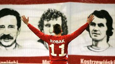 Marcin Robak, zawodnik Widzewa Łódź cieszy się po wygranym meczu z Górnikiem Zabrze 4:0
