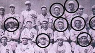 Chicago White Sox z 1919 r. W kółkach zawodnicy zdyskwalifikowani po World Series