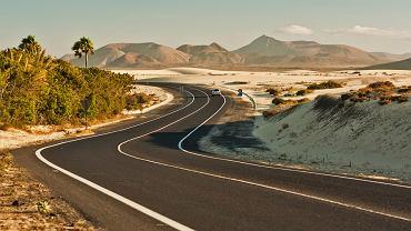 Fuerteventura, Wyspy Kanaryjskie - piaszczyste wydmy w Corralejo
