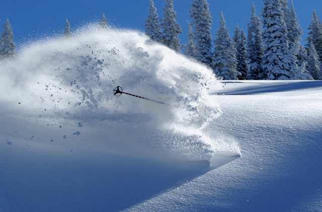 Na brak świeżego śniegu z pewnością nie mogą narzekać narciarze zza Oceanu