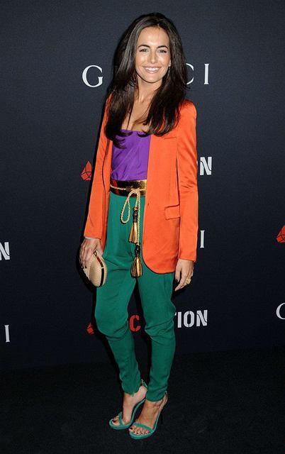 Camilla Belle na Przyjęciu Gucci and Rocnation przed nagrodami Grammy w modnych nasyconych kolorach od Gucci