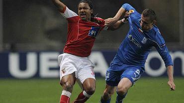 Seweryn Gancarczyk (z prawej)w barwach Lecha Poznań podczas pucharowego meczu ze Sportingiem Braga