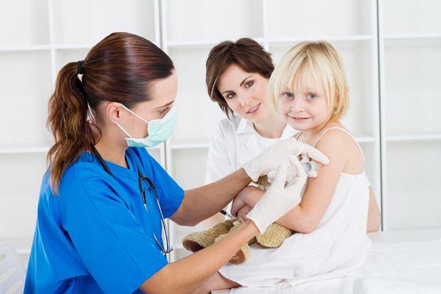 Szczepionki zalecane można kupować jedynie w aptece