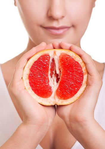 Grejpfruty są bogate w witaminę C.