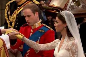 Książę William i Kate Middleton są już małżeństwem. W katedrze Westminister złożyli przysięgę i powiedzieli sakramentalne tak. Kate dostała od Williama obrączkę symbolizującą jego miłość. On obrączki nie dostał.