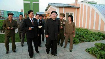 Kim Dzong Un z wizytą w nowym osiedlu mieszkaniowym dla naukowców
