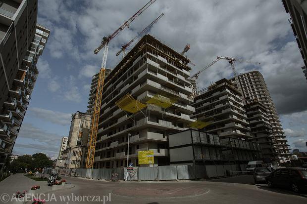 Mieszkania o 30 proc. tańsze niż od dewelopera. Nowy projekt resortu rozwoju