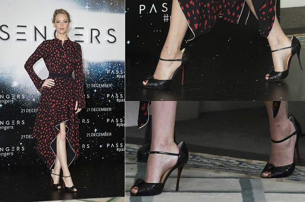 Zdjęcie numer 1 w galerii - Jennifer Lawrence wygląda SUPER, ale wszystko zepsuły za duże buty. Takie wpadki zaliczają też inne gwiazdy