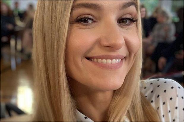 Joanna Koroniewska niedawno zabrała starszą córkę Janinę na spektakl, w którym wystąpiła. Dziewczynka oceniła występ mamy i skomentowała go w zabawny sposób.