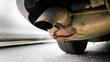 Po zimie rdza mogła zaatakować twój samochód. Są skuteczne i tanie sposoby na korozję