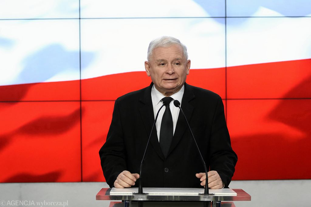 Jarosław Kaczyński podczas konferencji w siedzibie PiS przy ul. Nowogrodzkiej