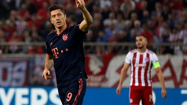 Robert Lewandowski po strzeleniu gola w meczu z Olympiakosem Pireus