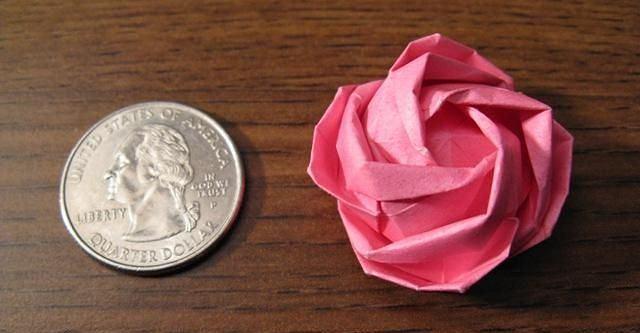 Papierowa róża orgiami, wzór kawasaki